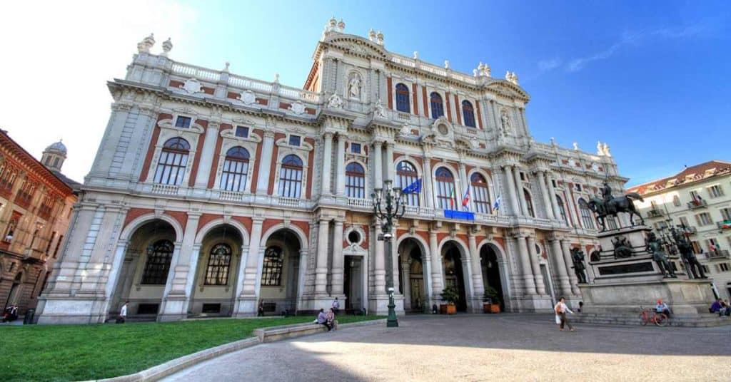ארמון קאריניינו